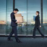 早期希望退職制度に応募するか会社に残るか?45歳リストラで未来予想